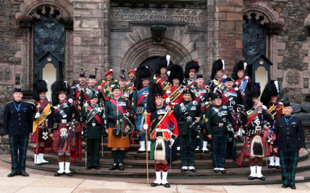 Jim with the Drum and Pipe Majors at Edinburgh Tattoo 2011